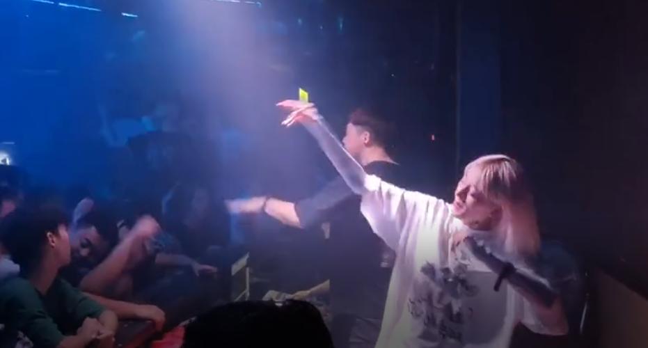 美女打碟DJ视频 - 许美静 - 阳光总在风雨后(DJYESE舞曲网独家推荐) 管理员 MV音乐在线观看